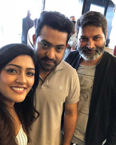 Selfie of Eesha Rebba with Jr.NTR and Raj Mouli