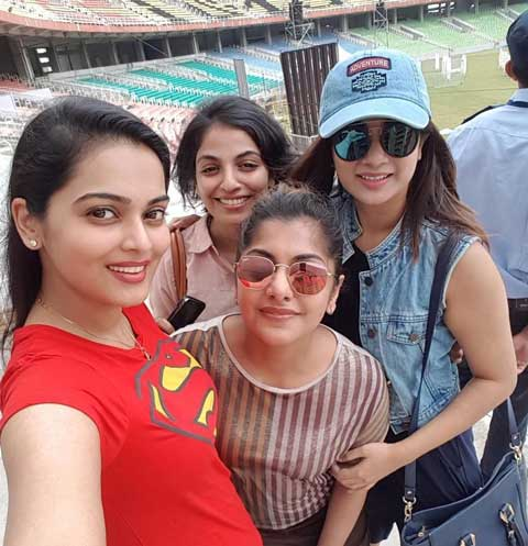 Namitha Pramod with other actresses