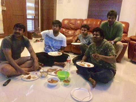 Vennela Kishore with His Industry Friends
