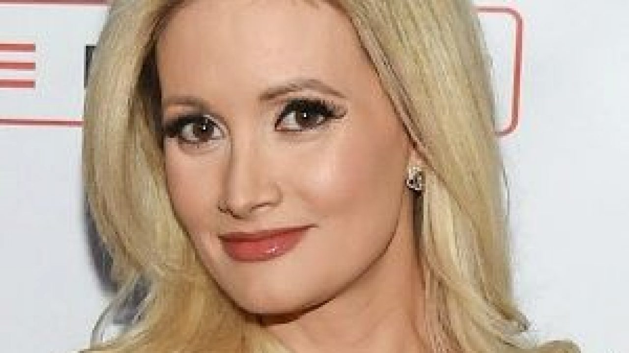 Holly Madison S Biography Age Height Body Bio Data Untold Stories Wikibiopic