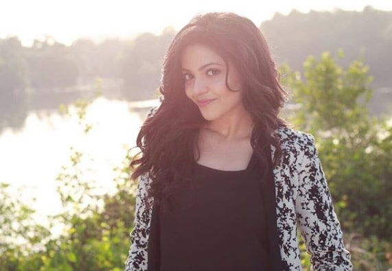Model, TV, Film Actress Divyangana Jain's Age, Height, Wiki, Biography, Caste and More