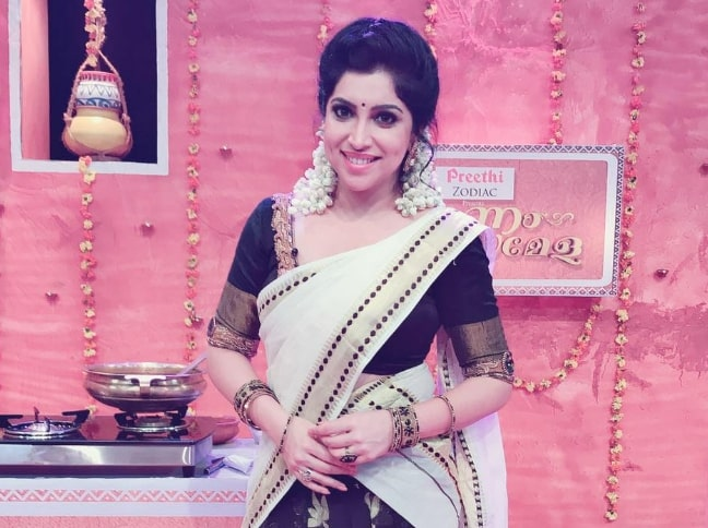 Actress, Anchor Vaigha Rose's Age, Height, Wiki, Biography, Caste and More