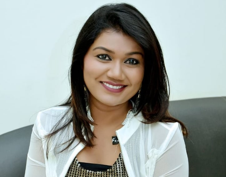 Singer Vaishali Mhade's Age, Height, Wiki, Biography, Caste and More