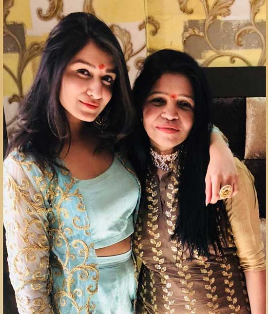 Bigg Boss Shefali With Her Mother